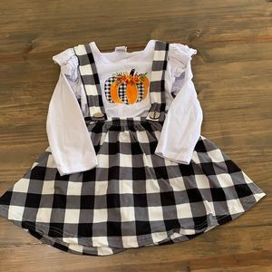 Fall outfit.  Size 4t